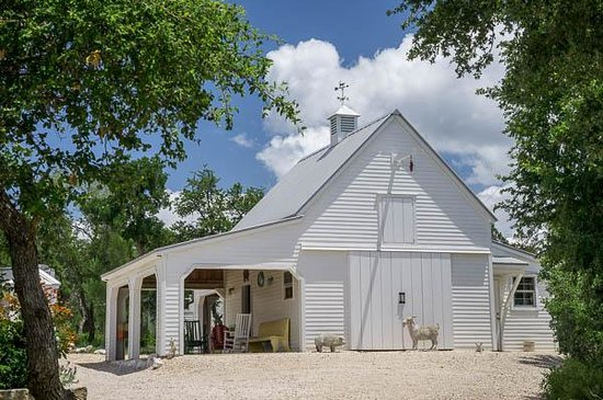 Alexandra's House: Barn