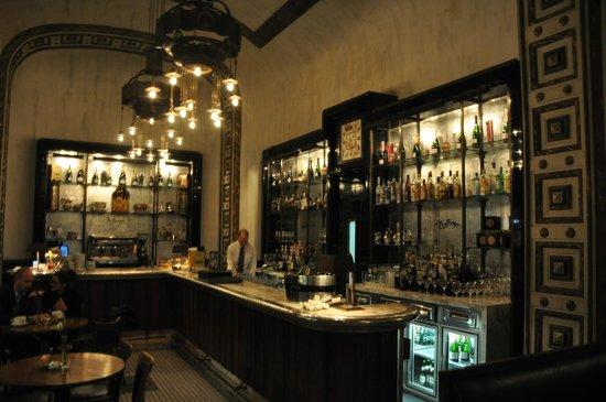 Callas Café & Restaurant : Bar area