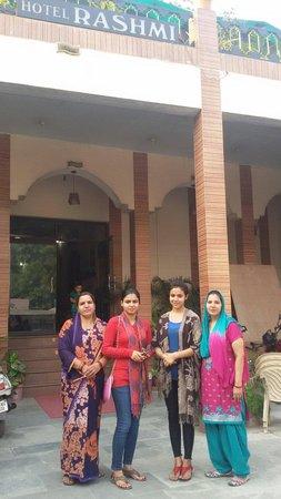 Hotel Rashmi : Family#fun#Agra#Taj#memories:)
