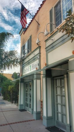 Capitola Hotel: Heart of the Village