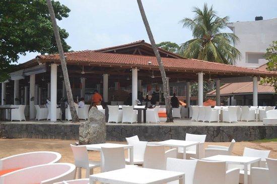 Unawatuna Beach Resort: UBR -Beach dining