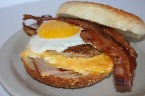 New York Bagels `N Bialys: Egg A Bagel Pile Up