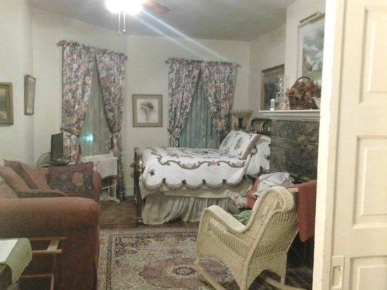 Burbridge Street B&B: Parlor room, looking in, Oct 2014.  I shut the curtains at night.