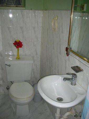 Gayfriendly Casa Jorge Silvio: Baño Habitación 1