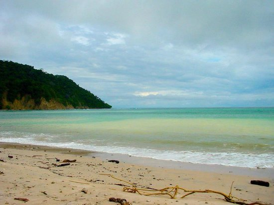 Cabo Blanco Absolute Natural Reserve : Playa Cabo Blanco