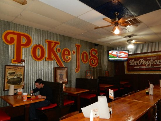 Pok-e-Jo's Smokehouse: interior