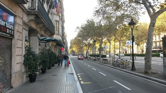gran via de les corts catalanes picture of caledonian hotel barcelona tripadvisor. Black Bedroom Furniture Sets. Home Design Ideas