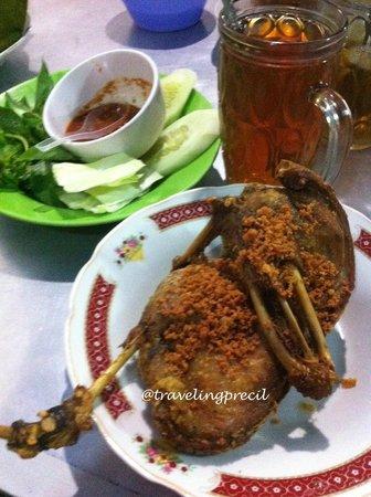 Warung Makan Cak Koting / Bu Meti