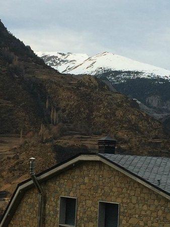 Hotel Mila : Вид на вершину горы
