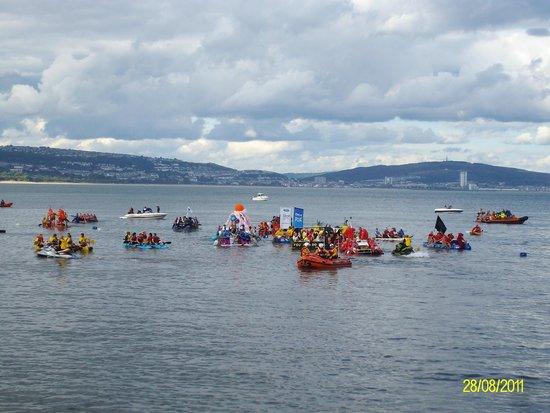 Verdi's: raft race of momble's