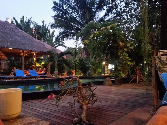The Green Room Seminyak: Kima surf at night