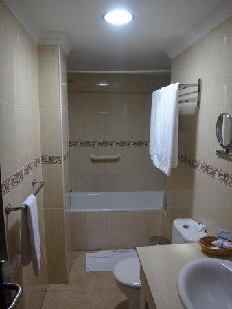 Hotel Pujol : la salle de bains