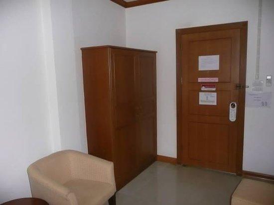 Navy Home Hotel: Kamer
