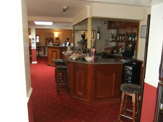 BEST WESTERN Claydon Country House Hotel: Reception / access to the Dining Room, and from the bedrooms
