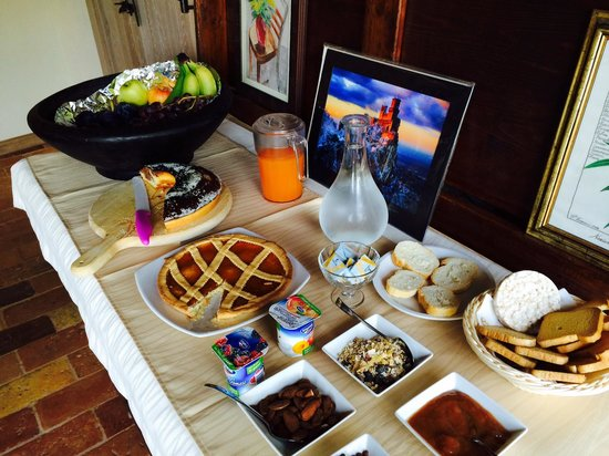 Agriturismo Ca Maggio : Little buffet plus a lot on our table