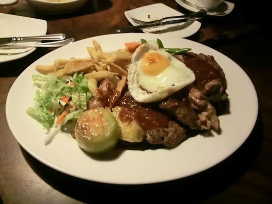 The Bavarian German Restaurant and Pub: Prato a la carte