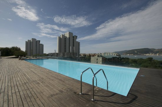Piscina exterior picture of blue green troia design for Design hotel troia