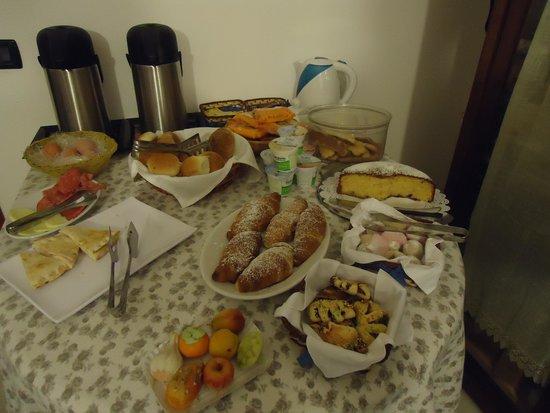 Guesthouse Garibaldi: parte della colazione