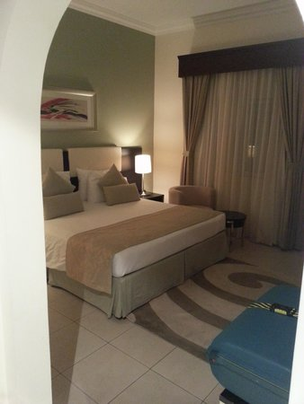Pearl Marina Hotel Apartments: master bedroom