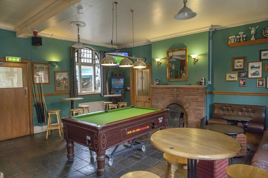 The Portland Arms: Public bar (Pool and sports)