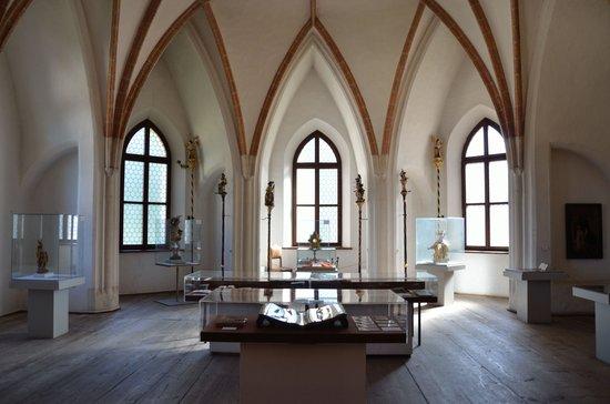 Museum Mondseeland Und Osterreichisches Pfahlbaumuseum