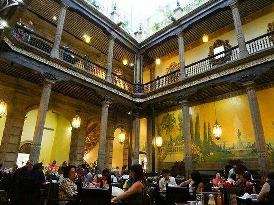 Fine dining at sanborns de los azulejos next to torre for Sanborns azulejos mexico city