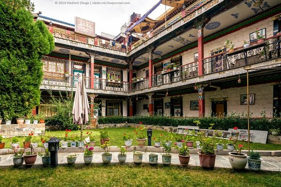 Tibet Gorkha Hotel : Главный корпус