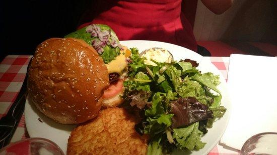 Schwartz's Deli: Avocado burger
