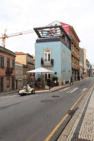 Photo of Bar Bartolo at Rua Senhora Da Luz, 185, Porto 4150-697, Portugal