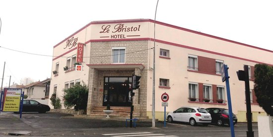 Photo of Hotel Bristol Fagnieres