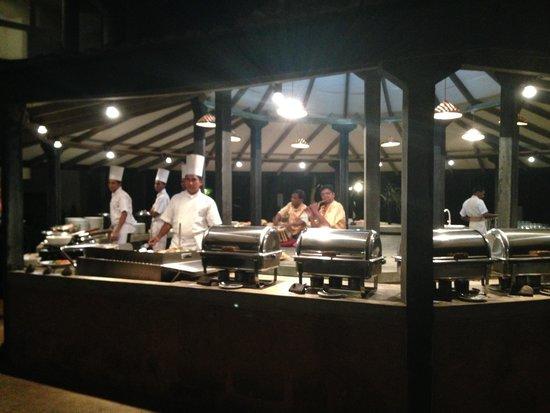 Ayurveda Paragon: Dinner in the garden