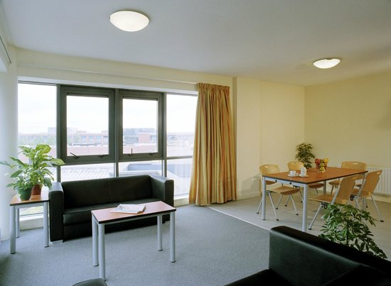 Swimming pool picture of dcu rooms dublin tripadvisor for The living room dublin tripadvisor