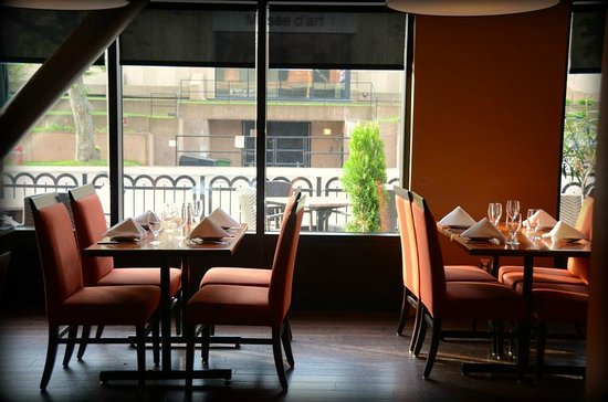 Redwater Rustic Grille : Windows onto patio and Grafton St.