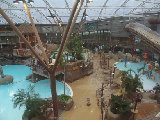 Alton Towers Waterpark : Water Park view from Flambo's