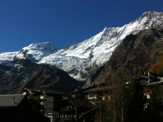 Hotel Marmotte : Fee Glacier morain