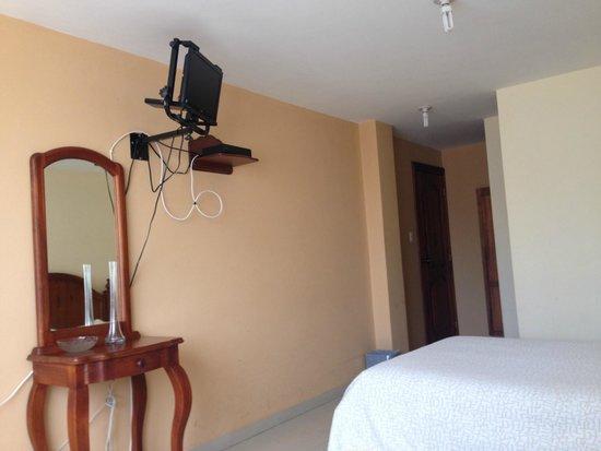 Hostal El Arbolito: TV por cable
