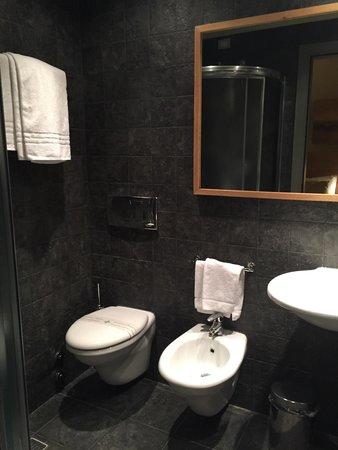 Meridiana Country Hotel : Ванная