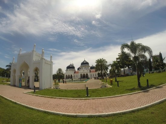 Baiturrahman Grand Mosque : Wajib datang kalau ke Aceh