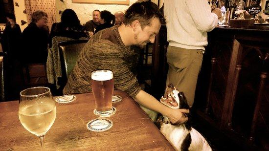 Watermill Inn & Brewing Co : Happy Dog In A Pub