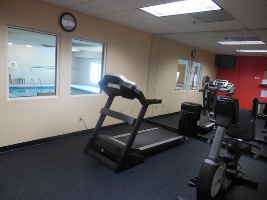 Country Inn & Suites By Carlson, Helen : Fitness room