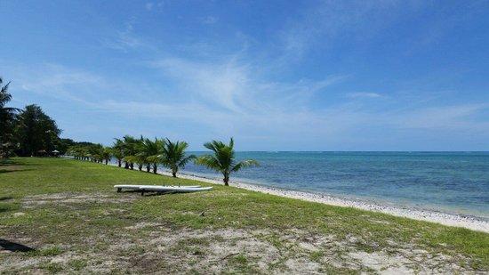 Cocos Island Resort: ココス島 青い海!青い空!