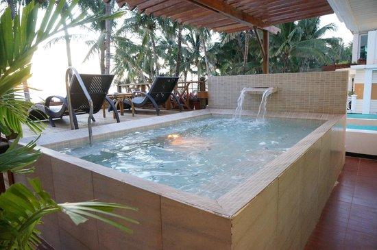 Private Jacuzzi Pool Picture Of Boracay Mandarin Island Hotel Boracay Tripadvisor