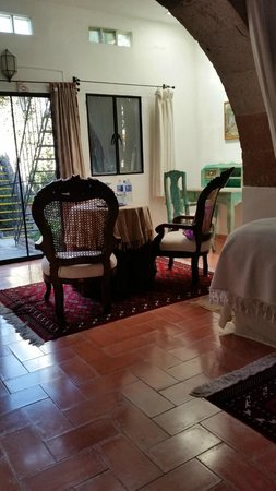 Casa Carmen: The seating area in our room