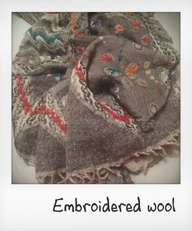 Ganesh Handicrafts : Wool Scarf