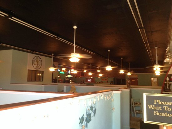 Papa Joe's Oyster Bar & Grill: Dining Area of the New Location