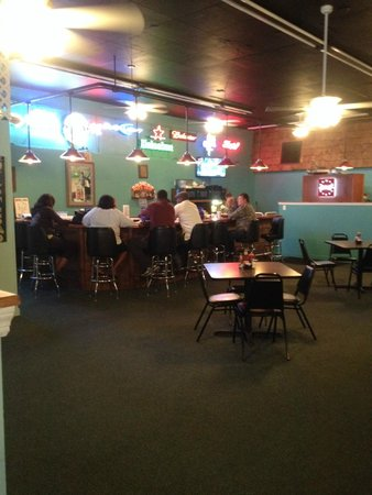 Papa Joe's Oyster Bar & Grill: Bar Area of the New Location