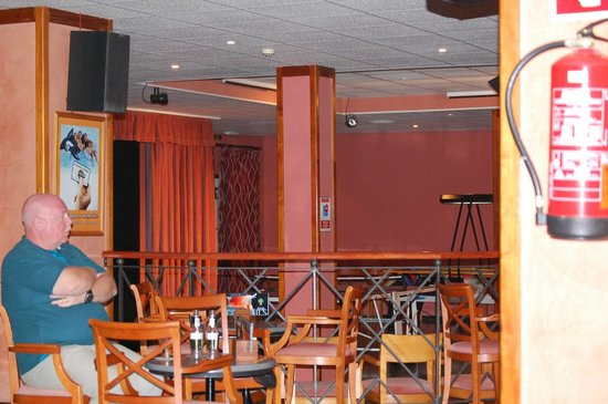Alua Hawaii Ibiza: Bar lounge