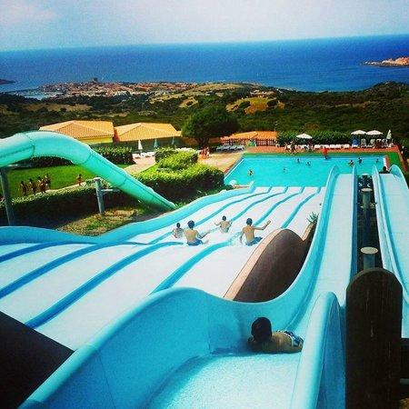 Тринита-д'Агульту-э-Виньола, Италия: Scivolando verso il mare