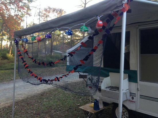 Zooland Family Campground: Popup decorated for Halloween.