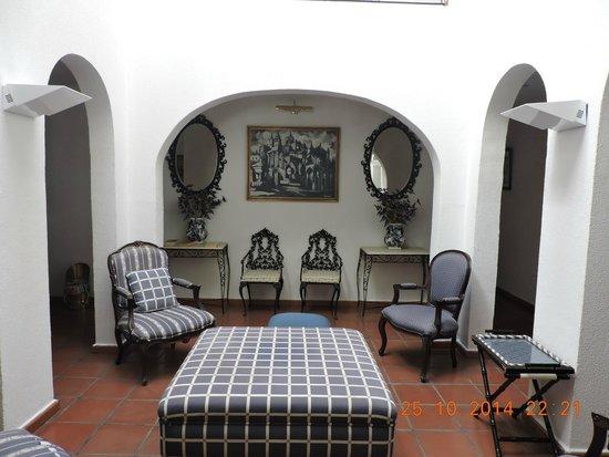 Residencial Os Manueis: Lobby
